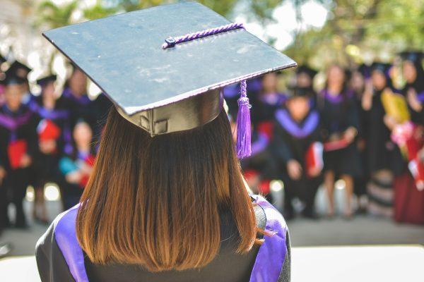 Enquêtes 2018 : le devenir des diplômés en 2015 et 2017 1